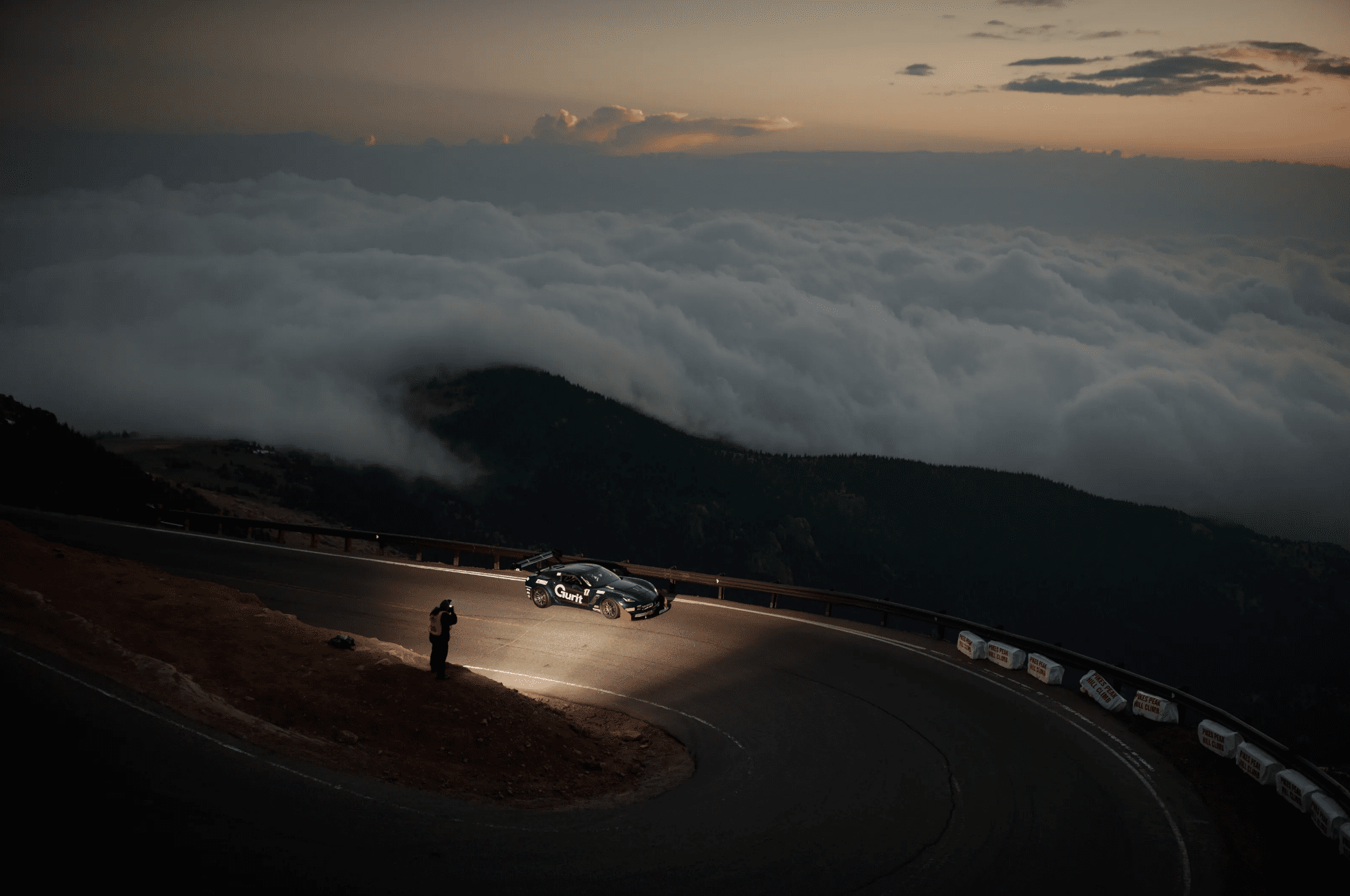 PIKES PEAK INTERNATIONAL HILL CLIMB: THE RACE TO THE CLOUDS!